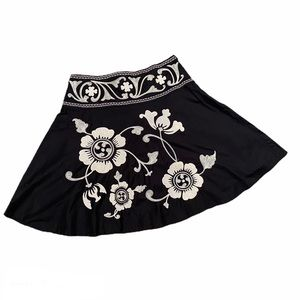 Bandolino Floral Appliqué and Embroidered Skirt